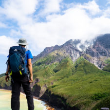 【DISCOVER JAPAN BACKPACKING】 山の生まれる場所、薩摩硫黄島へ 。南九州火山探訪・前編