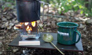 雑誌の付録で火がついたウッドストーブが発売開始。しかも980円!「SOTO テトラ」
