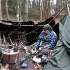 【海外】寡黙なブッシュクラフトマン「bushcraft bear」の森の生活を4本のショートムービーで